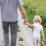 Pozew o zaprzeczenie ojcostwa – kiedy można go wytoczyć?